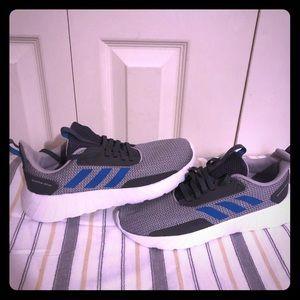 Adidas Big Kid Sneakers Size 5